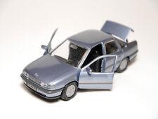 Opel Vectra A Stufenheck Limousine saloon blau bleu blu blue metallic, Gama 1:43
