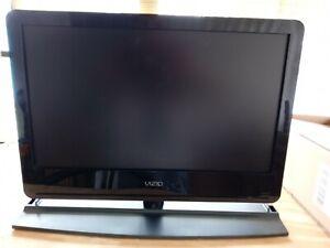 """Vizio VA26LHDTV10T 25"""" 1080i HD LCD Television"""