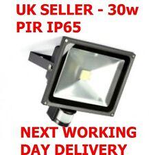 LED SECURITY LIGHT 30W FLOODLIGHT PIR SENSOR MOTION GARDEN OUTSIDE IP65