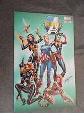 Mighty Avengers # 2 NYCC Exclusive J Scott Campbell Variant Cosplay Hot .