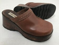 f6510d2f579 Steve Madden Brown Leather Wedge Platform Clogs Open Heel Casual Shoe 7 B