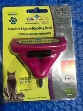 FURminator® FURflex™ comfort Edge DeShedding tool w/o Handle for a cat