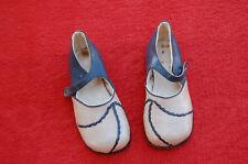 ancienne chaussure poupée ou enfant  pointure 23