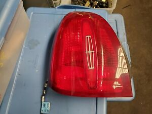 1998-1999-2000-2001-2002 LINCOLN TOWN CAR LEFT TAIL LIGHT