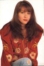 """CARTOLINA ATTORE DI """" BEVERLY HILL 90210 """" BRENDA WALSH - DA STOP -  C8-553"""