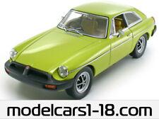 1/18 MG MGB GT 1974 Revell - Universal Hobbies