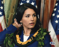 TULSI GABBARD SIGNED 8x10 PHOTO 2020 PRESIDENTIAL CANDIDATE BECKETT BAS