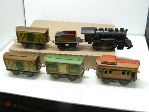 AMERICAN FLYER  PREWAR TWO PART DIE CAST FRAME LOCO AND FOUR TIN PLATE CARS