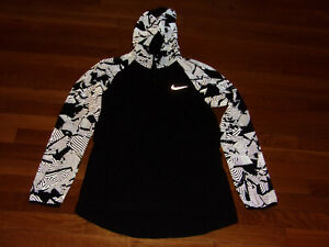 NIKE FULL ZIP BLACK HOODED ESSENTIAL REFLECTIVE RUNNING JACKET WOMENS SMALL EXC