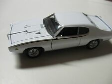 WELLY 1:24 SCALE 1969 PONTIAC GTO JUDGE DIECAST CAR MODEL W/O BOX NEW!