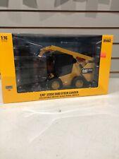1/16 High Detail Caterpillar CAT 272D2 Skid Steer Loader ERTL Exclusive 85602