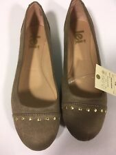 L.E.I. Ballet Flats sz 9.5 M in Taupe Suede Velvet Fabric  w/ Brass Studs