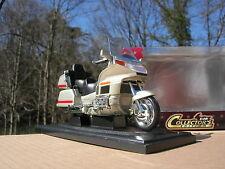 ROAD SIGNATURE 1/18 MOTO HONDA GOLD WING Verte pale métalisé !!!