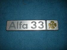 Emblem Badge Alfa Romeo 33 Quadriofoglio aus Metall, ca. 16 x 3,5 cm
