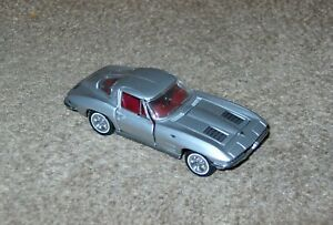 Franklin Mint 1963 Chevy Corvette Stingray Silver 1/43 Cars of Sixties Diecast