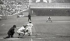 CUBS GREAT RON SANTO WITH REDS JOHNNY BENCH & TONY PEREZ ACTION CLASSIC 8x10 !!