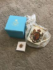 The Royal Collection St.james's Palace London Mug Coat Of Arms 22 Carat Gold