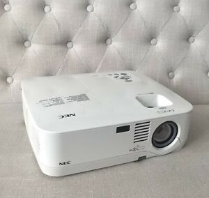 NEC NP400 LCD Projector Tested and works NO ACCESSORIES
