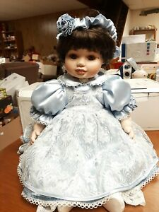 """Marie Osmond Fine Porcelain Doll """"Olive May """"24"""" Limited Edition"""