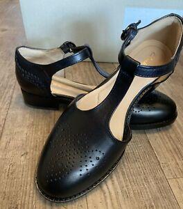Clarks Ladies NETLEY DAISY Leather T bar Flat Shoes RRP £65