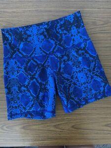 Lululemon High Times Blue Snake Skin Print Shorts Yoga Bike Gym CAN 4 AU 8