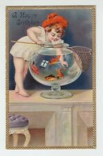 [62152] OLD POSTCARD LITTLE CUTE GIRL CATCHING GOLDFISH in an AQUARIUM