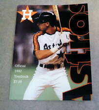 HOUSTON ASTROS BASEBALL YEARBOOK - 1992 - LUIS GONZALEZ - NEAR MINT