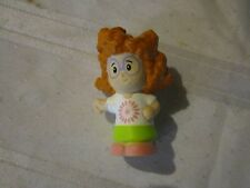 Fisher Price Little People red hair girl Sofie Playground flower shirt pink shoe