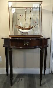 """ANTIQUE MODEL SHIP AND GLASS CASE OF THE 1606 """" HALF MOON"""" BEAUTIFUL COLLECTION"""