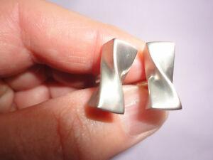 Modernist silver-plated oblong satin finish twist 15 gram 16 mm cuff links
