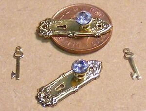 1:12 Scale 2 Crystal Knobs With Metal Plates & Keys Tumdee Dolls House Door 704