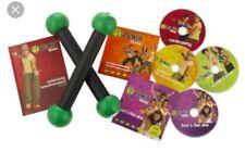 Zumba Fitness Entraînement DVD Box Set, 4 DVD and 2 virage Sticks dans box.