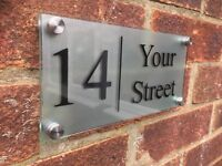 MODERN HOUSE SIGN PLAQUE DOOR NUMBER STREET GLASS EFFECT ACRYLIC NAME SILVER