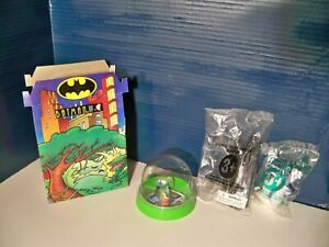 Batman Animated Taco Bell Kids meal Box & 4 Toys