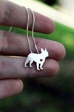 Halskette mit Anhänger. Hund mit Herz. Französische Bulldogge, Boston Terrier
