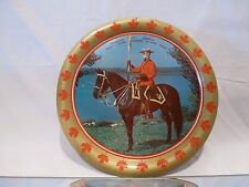 VINTAGE TIN ROUND PLATE - CANADIAN MOUNTIE - RCMP - 28.0cm - GOOD CONDITION