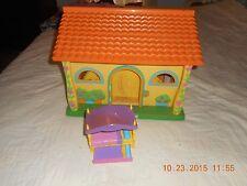 2003 Dora the Explorer Doll House by Mattel