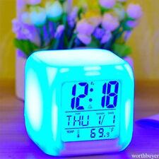 Horloge lumineuse numérique modifiable en couleur Digital Glowing Alarm Clock