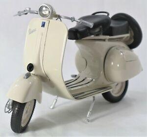 VESPA VL IT 150 MOTORCYCLE MODEL 1:6 SCALE BEIGE