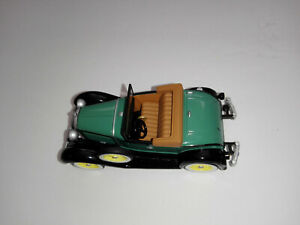 HALLMARK 1931 FORD MODEL A ROADSTER COLLECTIBLE Kids Toys