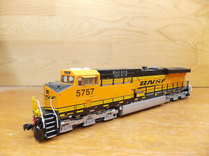 InterMountain ES44AC BNSF #5757 with Factory sound DCC