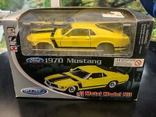 Model Ford Mustang 302 GT 1970 Boss Yellow 1:24 Scale Welly Diecast Detailed Car