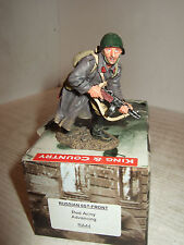 King & Country RA44 Russian Front, Red Army Soldier Advancing in 1:30  Scale