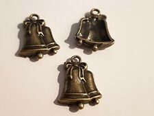 10 ANTIQUE BRONZE CHRISTMAS BELL CHARM PENDANT CRAFT - JEWELLERY - DECORATIONS