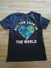 "T-Shirt blau Junge H&M 134/140 Herz Pailletten ""All the love in the world"""