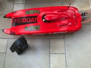 ProBoat Blackjack 29 Fast Twin Hull Model Powerboat for Radio Control.