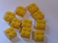 Lego 10  yellow bricks 2 x 2  /10  briques jaunes