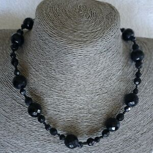 Vintage Jewellery Lovely Graduated French Jet Faceted Bead Necklace