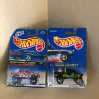 Hot Wheels Mattel Lot 2X Nissan Truck Mixed Signals Series / Nissan Hardbody PF3