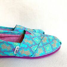 TOMS sz 6 barely-worn teal blue purple colorful womens shoes design pattern